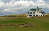 Art Deco clubhouse and 9th green